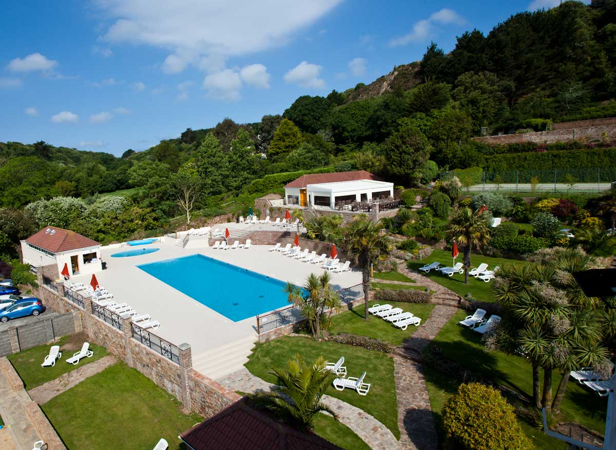St Brelade's Bay Hotel, External Cafe, Pool & Landscape 2